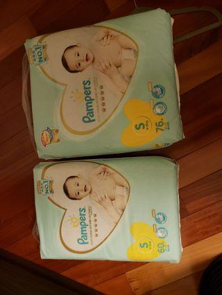 Pampers S碼 60, 76 片各一包