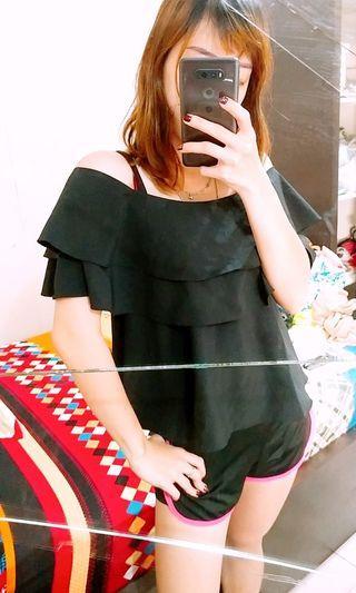 🏡 SABRINA LOOSE BLACK TOP