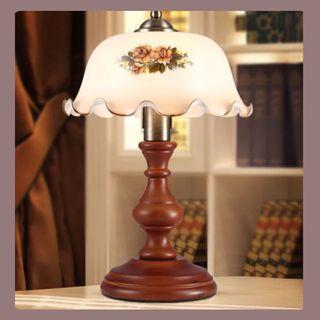 #古典座枱燈      Classic Style Desk Lamp