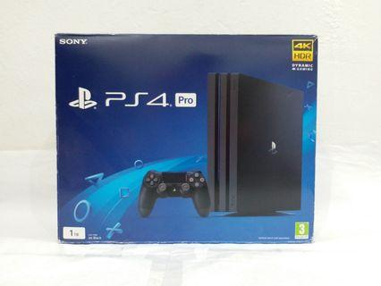 PlayStation 4 Pro 4K HDR 1TB like new
