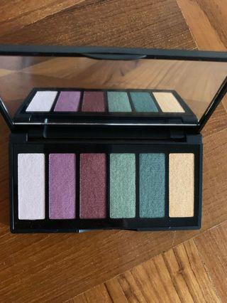 🚚 3INA the eyeshadow palette