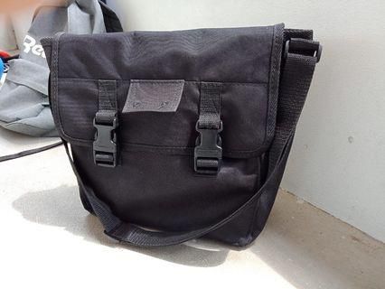 🚚 Mens new sling bag