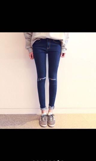 🚚 蕾娜的口飾心飛|寶藍丹寧褲口抽鬚膝蓋破壞緊身貼腿牛仔褲