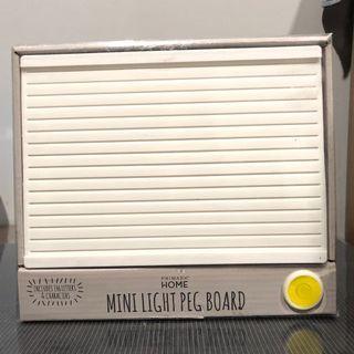 🚚 Primark Mini Light Peg Board
