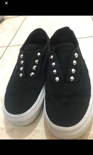 a54c4030d10ee vans authentic shoes   Shoes   Carousell Philippines