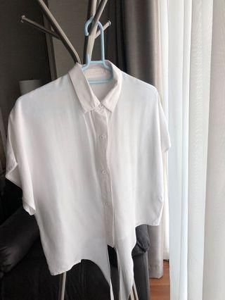 kemeja crop putih / crop top ada ikat pinggang