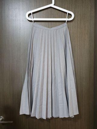 BNWT Uniqlo Pleated Skirt Grey