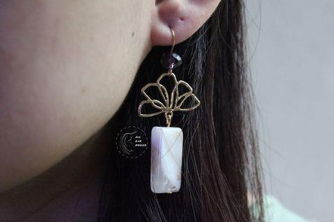 🚚 Oriental fan earring