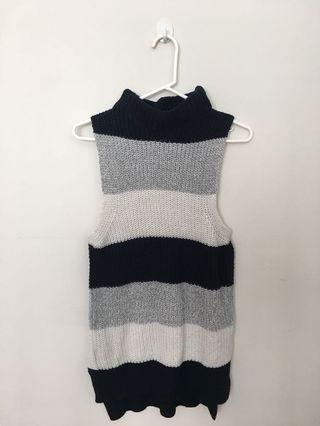 Knitted turtle neck vest