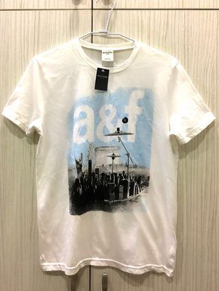 🚚 全新-A&F白色短袖上衣