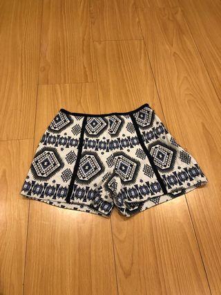🚚 圖騰麻料短褲