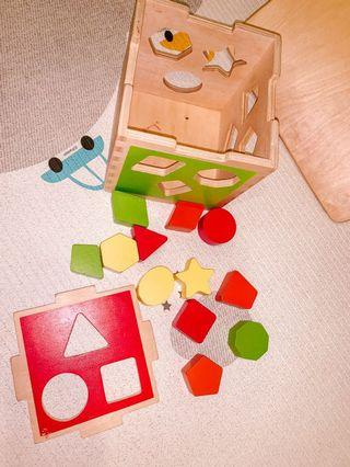 Imaginarium shape sorting cube