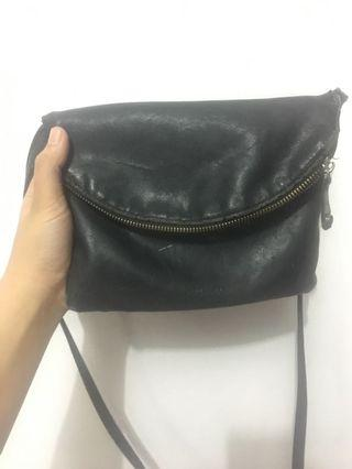 slingbag pull and bear