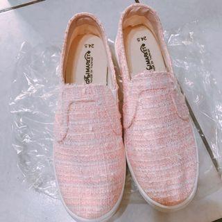 粉色休閒鞋