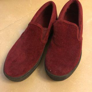 90% new dark red burgundy platform slip on shoes 棗紅色松高懶人鞋 絨面