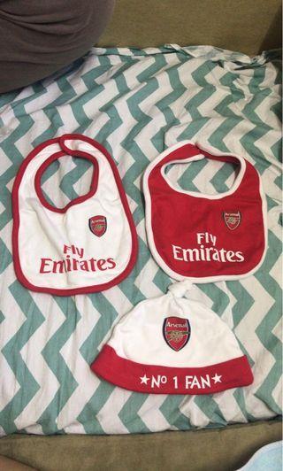 Arsenal 口水肩及帽