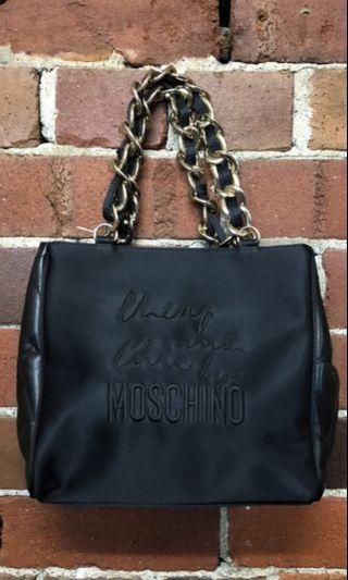 #maugopay Moschino authentic