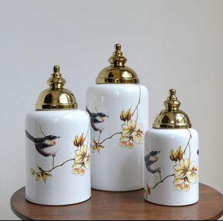 🚚 Set of three ceramic jars
