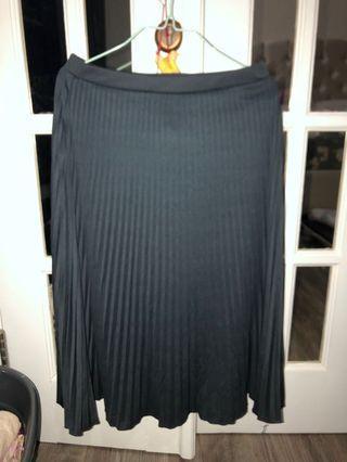Plisket pleats pleated skirt