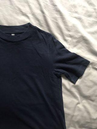 Uniqlo navy blue top / t-shirt