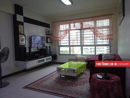 NEWLY MOP 5 YEAR OLD FLAT IN PRIVATE AREA WITH MANY GREENERY