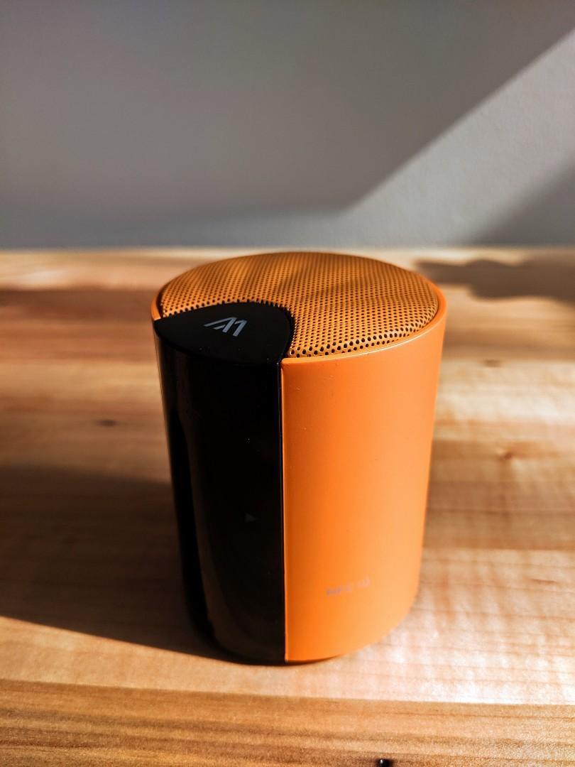 Bluetooth Speaker (USB charging, supports auxiliary cable)
