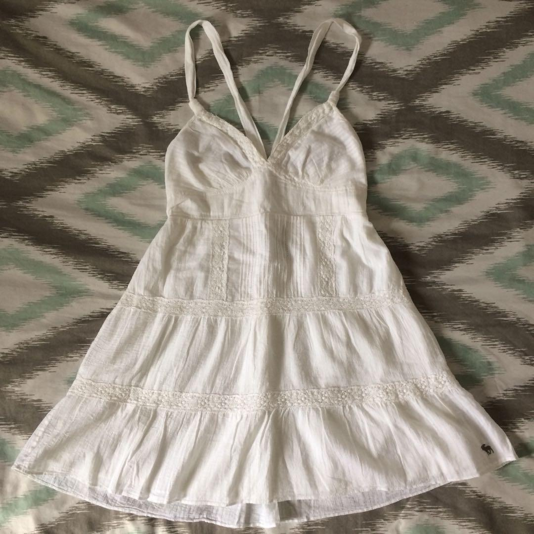 Brand New White Summer Dress (Size Largee fits more like Medium)