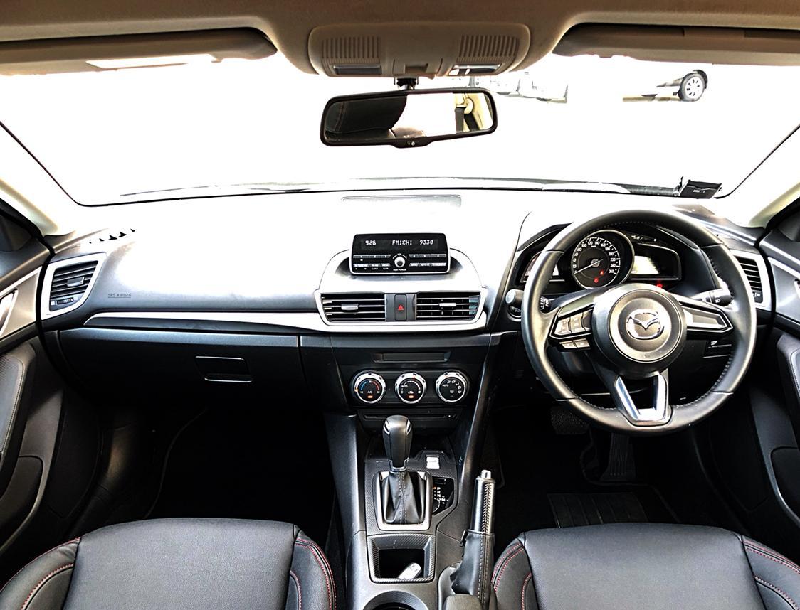 CHEAPEST CAR RENTAL PRIVATE HIRE IN TOWN Mazda 3 1.5 6AT Standard Auto GO-JEK RENTAL REBATE GRAB
