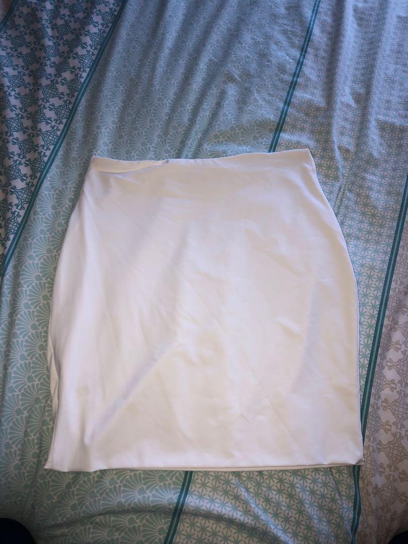 Meshki jersey mini skirt size 8