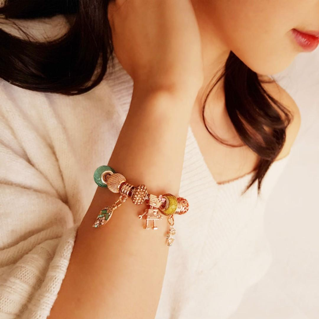 Premium Made in Korea Cubic Zirconia Homaika Cute Charm Bracelet Brand New SA-94172