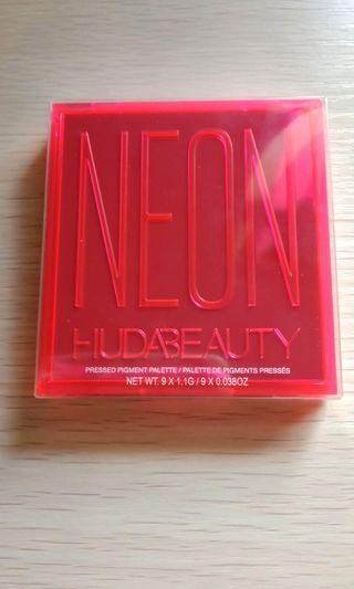 Authentic huda Beauty pink obsession palette