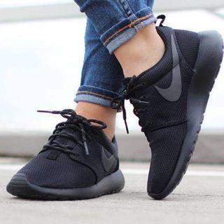 Nike Rosherun 100% Original Unisex // Sepatu Nike
