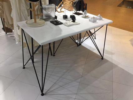 實木白色簡約工作檯/展示檯/咖啡檯 Working Desk / Display Table #Lalamove
