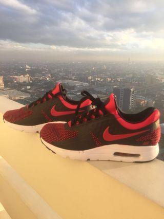 Brand New-Nike Air Max Zero Essential