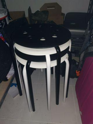 🚚 Set of 4 stools