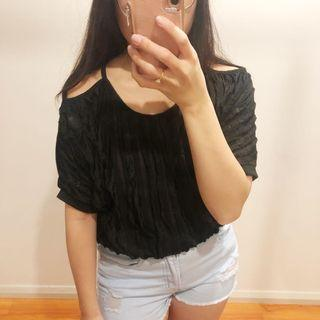 (S) Cold Shoulder Black Casual Tee