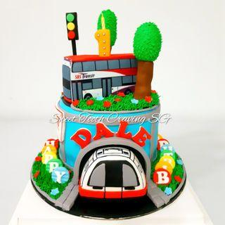 🚚 Bus and Train Cake