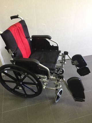 🚚 Used wheelchair for leg injury