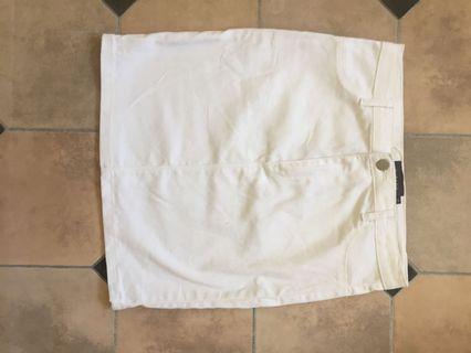 Mirrou white skirt size 10