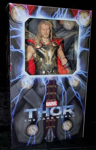 Neca 1/4 scale Thor the Dark World