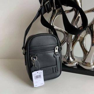 🚚 Authentic COACH Sling Bag