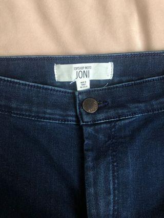 Topshop Holding Power Joni Jeans