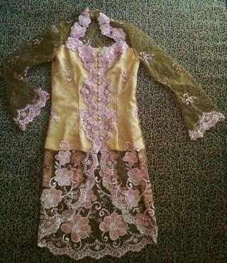 #maugopay Kebaya Kuning Elegan