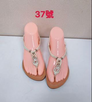 🚚 專櫃女性水鑽米色涼鞋