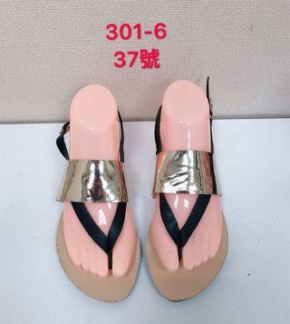 🚚 專櫃女性金色涼鞋