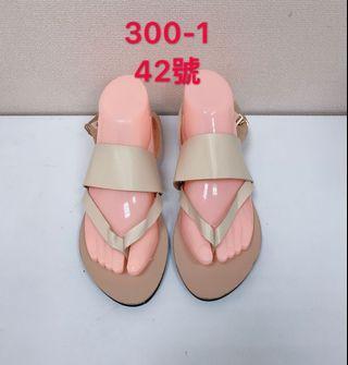 🚚 專櫃米色女性涼鞋