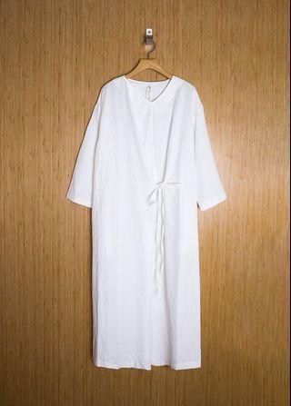 V領斜綁帶八分袖洋裝