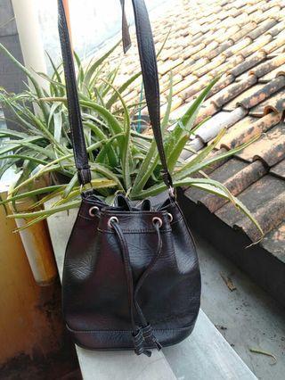 Bucket Bag/ tas serut
