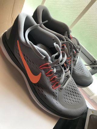 ❗️Rush Sale❗️ Original Nike Flex 2017 Run