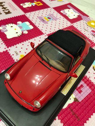 Toy Car Porsche 911 Carrera 4 Cabriolet Red